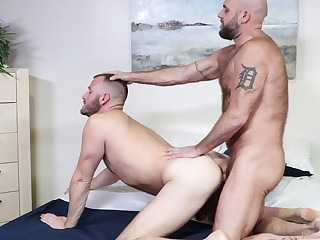 Rough sex for Chase Ryder added to Jax Hammer culminates wide a cum devastate