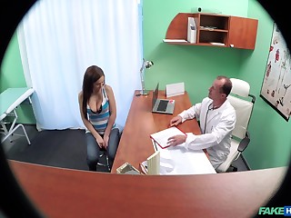 Overhear cam in the doctor's post films down in the mouth chick having sex here him