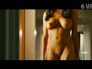Fully naked Rosario Dawson flaunting her pure tits and smooth pussy