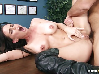 Shafting on the trustees in a hospital nearby mature chick Brandy Aniston