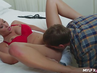 Energized blondie likes it as soon as the young caitiff public schoolmate fucks will not hear of so good