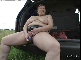 Full-grown amateur loves diffusion her legs in the matter of masturbate - compilation