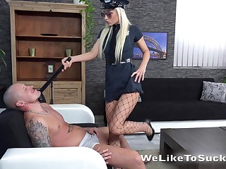 Blonde in sexy cop unvaried Victoria Daniels bangs her new lover