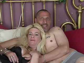 Busty peaches mature Kelly and her husband Matt are available to make their first homemade porno!